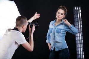 Ein Fotoshooting beim professionellen Fotografen.