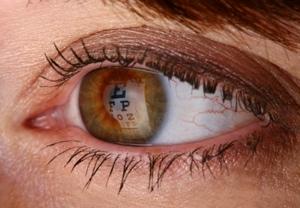 Eine Fehlsichtigkeit kann mit einer fachgerechten Laserbehandlung in vielen Fällen restlos behoben werden.