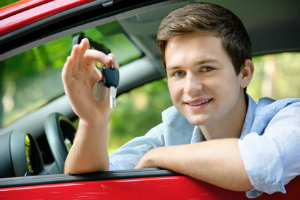 Begleitetes Fahren und Begleitperson – Fahrschüler sollten sich frühzeitig informieren.