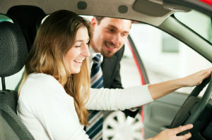 Gebrauchtwagen und Jahreswagen kaufen - nicht immer fällt die Wahl leicht.