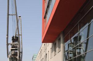 Eine Gebäudereinigung in Neuss sorgt dafür, dass die Räumlichkeiten von ansässigen Unternehmen in gutem Zustand bleiben.