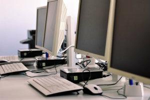 Nur mit einer Festplattenvernichtung können Unternehmen sichergehen, dass ihre Daten nie mehr wieder gelesen werden können.