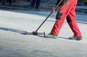 Bei Baumaßnahmen ist die Baugrobreinigung unverzichtbar.