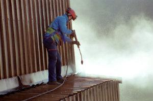 Auf der Baustelle, beim Hausbau und bei Sanierungsarbeiten fallen viel Schmutz, Bauschutt und Baumüll an.