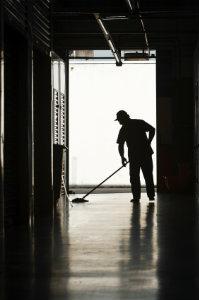 Die Preise der Büroreinigung richten sich nach der Größe des Objektes, dem Intervall der Reinigung und den zu verrichtenden Arbeiten.