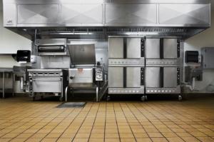 Firmen für Gebäudereiningung sorgen für eine professionelle Gastronomiereinigung, die sich gewaschen hat.