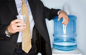 Wasserspender sorgen für Erfrischung am Arbeitsplatz.