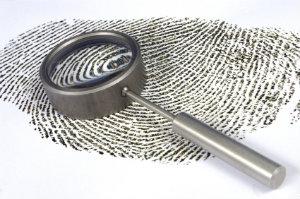 Detektive ermitteln in privaten und wirtschaftlichen Angelegenheiten, um verwertbare Beweise für Kunden zu finden.