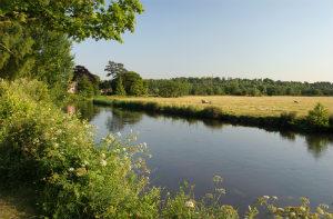 Was die Flussbestattung kosten kann, ist sehr uneinheitlich.