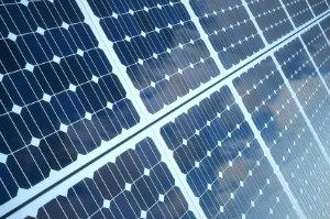 Der Ertrag von Photovoltaikanlagen wird durch mehrere Faktoren bestimmt.