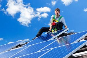 """Ob sich Photovoltaik noch lohnt, hängt von vielen Faktoren ab und lässt sich nicht mehr eindeutig mit """"ja"""" beantworten."""