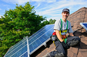 Für die Investition in Photovoltaik ist es ratsam, vorab Angebote zu vergleichen.
