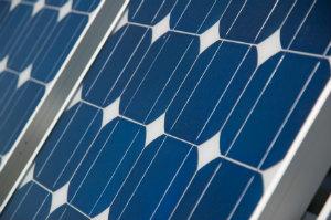 In Regionen mit mehr Sonnenstunden können Photovoltaikanlagen eine höhere Leistung bringen.