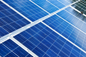 Der Aufbau einer Photovoltaikanlage ist nicht schwer, wenn man erst einmal die grundlegenden Funktionen kennt.