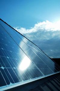 Wenn man die Förderung von Solaranlagen richtig nutzt, steigert sich die Wirtschaftlichkeit noch einmal.