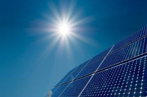 Die aktuelle Preisentwicklung in der Photovoltaik tendiert in Richtung einer regelrechten Preisexplosion. Wer jetzt kauft, sichert sich eine hohe Rentabilität.