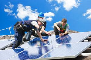 Der Preisvergleich ist bei einer Solaranlage dringend nötig: Wenn die Anlage nicht optimiert wird, lohnt sie sich nicht.