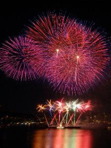 Mit einem Höhenfeuerwerk lassen sich die schönsten Feste feiern.
