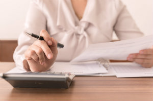Bei der Erbschaftsteuererklärung sind auch Verordnungen zu beachten.