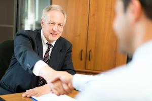 Beim Thema Nachfolgeberatung sind Rechtsanwälte, Wirtschaftsprüfer und Steuerberater gefragt.
