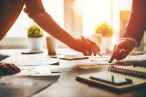 Bewertungen im Internet helfen, einen passenden Steuerberater zu finden.