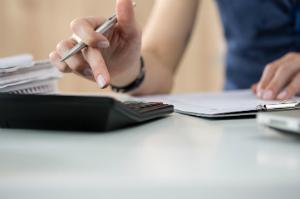 Wir erklären, was hinter der Steuerpflicht steckt und in welchen Lebensbereichen sie zum Tragen kommt