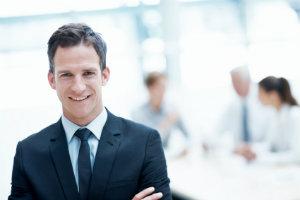 Der Portfolio-Manager stellt das Finanzportfolio für den Anleger zusammen und verwaltet es.