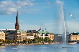 Eine Vermögensverwaltung in Hamburg legt das Vermögen von Privatkunden an.