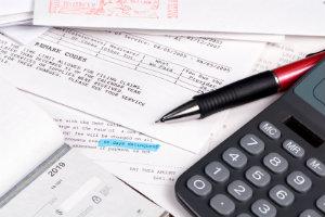 Wer auf das Outsourcing von Lohnabrechnung und Gehaltsabrechnung setzt, spart viel Zeit, Aufwand und Kosten.