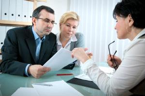 Eine Steuerberatungsgesellschaft bietet umfassenden Service.