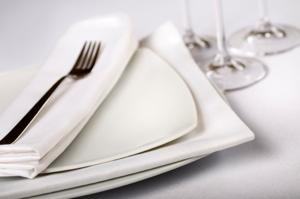Ein kompetenter Geschirrverleih wird nur sauberes und hochwertiges Geschirr verwenden.
