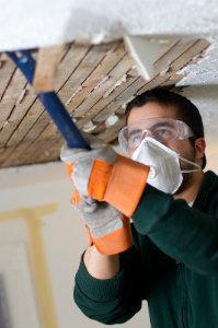Bei einem Gebäudeschaden einen fähigen Baugutachter einzuschalten, lohnt sich für den Hausbesitzer in jedem Fall.