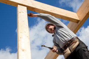 Die Dachaufstockung ist eine günstige und effiziente Methode, um Wohnraum zu erweitern.