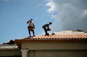 Eine erfahrene Dachdeckerfirma liefert einwandfreie Ergebnisse.