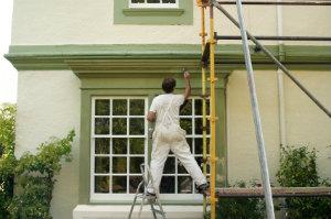 Hier können Sie Maler für umfassende Malerarbeiten finden.
