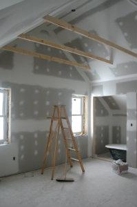 Wer einen professionellen Maler für die Renovierungsarbeiten innerhalb seiner Wohnung anstellt, muss sich keine Sorgen um die Qualität der Arbeit machen.