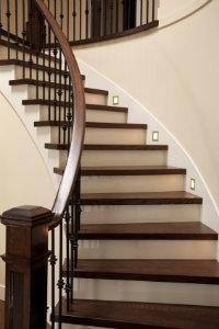 Treppenrenovierung hier dienstleister finden bewertet de for Treppe aufarbeiten