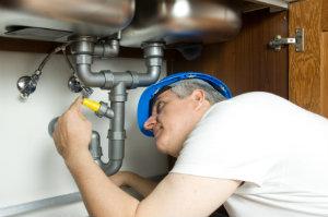 Ein Umzug erfordert häufig Demontage- und Montagearbeiten, die von Umzugsunternehmen übernommen werden können.