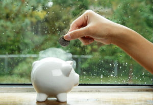 Wer Fenster günstig einkaufen möchte, sollte ausgewählte Angebote vergleichen.