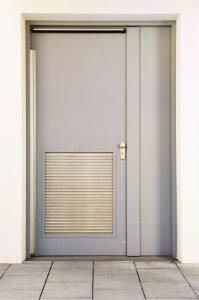 Haustüren aus Stahl können sehr filigran verarbeitet werden und sind trotzdem stabil und einbruchsicher.