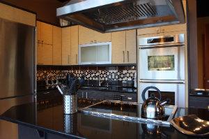 einbauk chen preise hier berblick verschaffen bewertet de. Black Bedroom Furniture Sets. Home Design Ideas