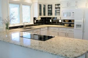 Granitküchen – robust, pflegeleicht, hygiensich.