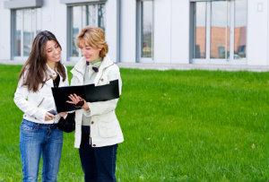 Gewerbemakler sind erfahren in der Vermittlung von geeigneten Gewerbeimmobilien an Kunden.