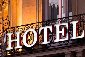 Mit einem Hotelmakler lassen sich das Wunschobjekt oder der passende Abnehmer für das Hotel leicht finden.