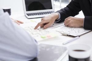 Immobilienmakler finden: Ein Vergleich mehrerer Experten ist nicht verkehrt.