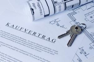 Wie verkaufe ich mein Haus am besten – mit oder Ohne Makler?