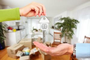 Mieteinnahmen können beim Wohnungsverkauf die Steuer erhöhen.