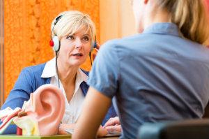 Die Hörgeräte-Beratung ist ein wichtiger Abschnitt auf dem Weg zu einem neuen Hörgerät.