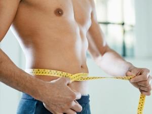 Mit einer Bauchdeckenstraffung kann überschüssiges Fett und Haut entfernt und die Muskulatur gestrafft werden