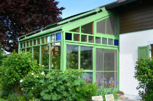 Die Bliemel WintergartenBau GmbH fertigt nicht nur Wintergärten, sondern auch Glasfassaden.